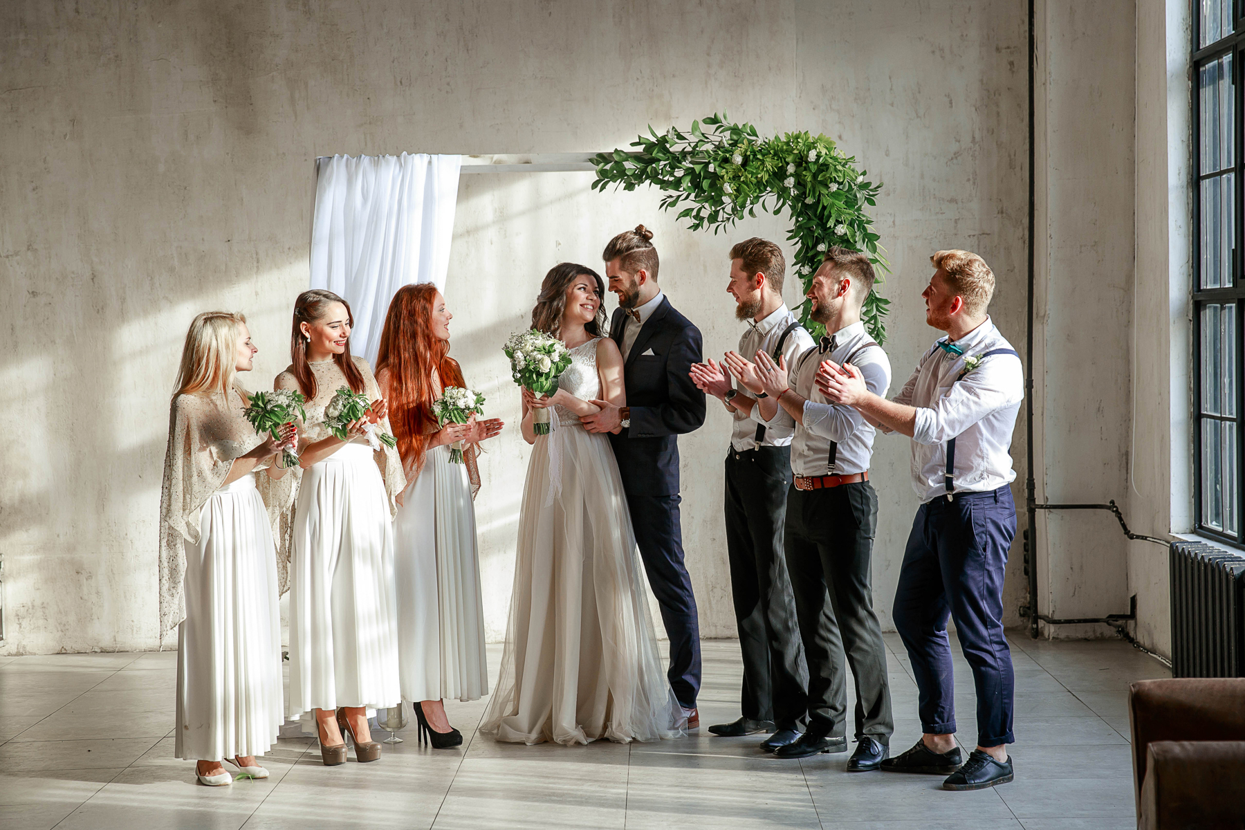 Одежда гостей на свадьбе